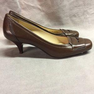 Cole Haan Brown Leather Closed Toe Kitten Heel 8B